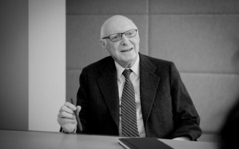 2019. Fallece D. José Pedro Pérez-Llorca
